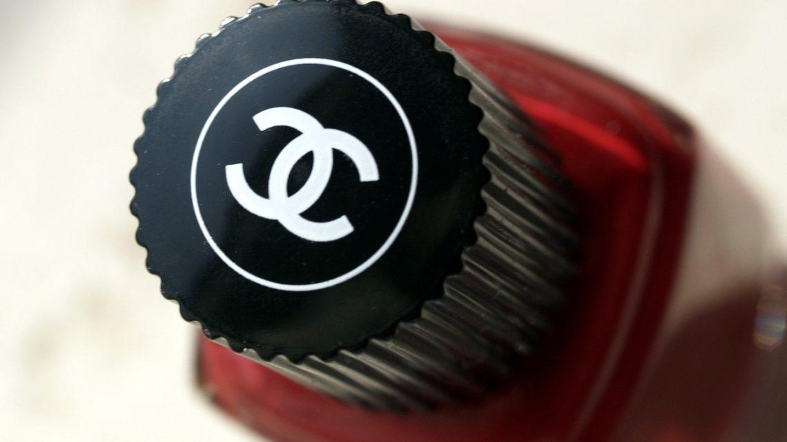 Odpowiednie lakier do paznokci